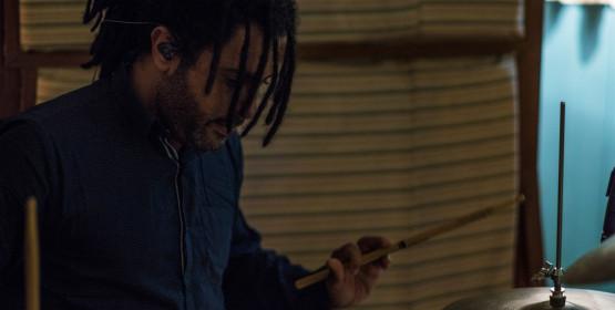Percussionista Tito Oliveira ministra workshop sobre 'ritmos afro brasileiros'