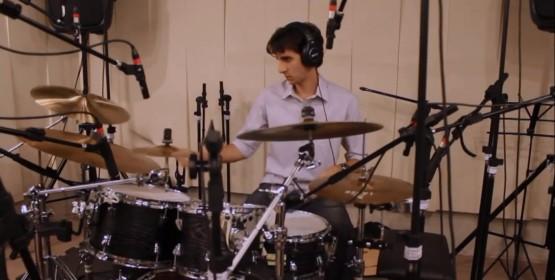 Eduardo Moura faz recital de formatura em bateria, dia 14