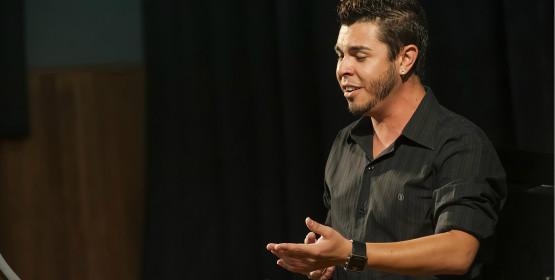 Barítono Alecio Sávio apresenta recital de formatura