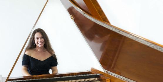 Lilian Graziela faz conclusão de curso em fortepiano, dia 16