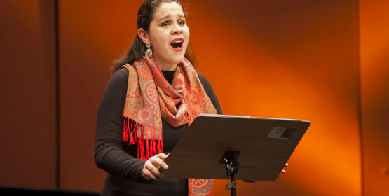 Soprano Bruna Gavioli apresenta-se em recital, dia 9 de dezembro