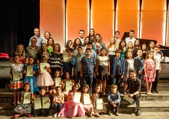 Conservatório de Tatuí realiza concurso de piano com 80 alunos