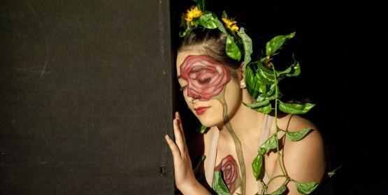 Setor de Artes Cênicas abre vagas para alunos em oficinas de maquiagem, direção teatral e trilha sonora
