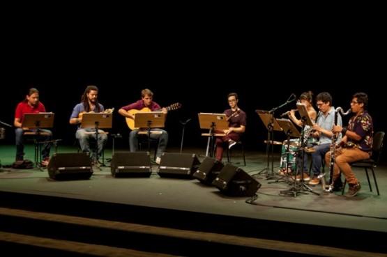 Grupo de Choro Jovem toca terça-feira no Teatro Procópio Ferreira