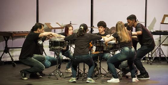 Grupo de Percussão é atração do Projeto Música na Praça