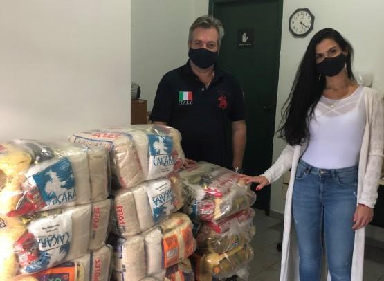 Associação Comercial e Empresarial doa cestas básicas para o Conservatório de Tatuí